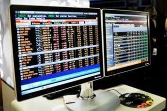 Borsa, Piazza Affari chiude in rialzo a +2,61%