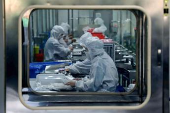 Coronavirus, oltre 30mila morti nel mondo: un terzo in Italia