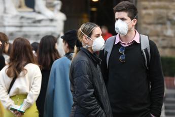 Coronavirus, 12 morti e oltre 400 contagiati Speranza: Italia più forte