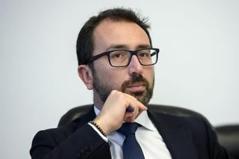 Bonafede contro Renzi: Irresponsabile