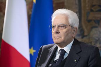 Mattarella: Resistere ad attacchi contro Stato democratico