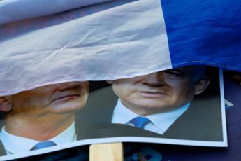 Israele, ok Corte suprema a governo Netanyahu-Gantz