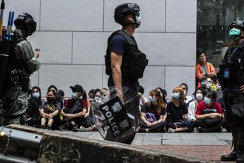 Tensioni a Hong Kong, almeno 180 arresti
