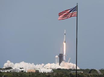 SpaceX, lancio ok e Usa tornano nello spazio