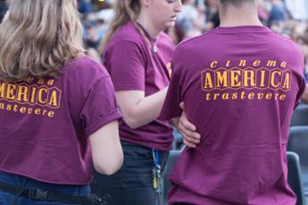 Piccolo America: Ama ha distrutto le piazzole anti-Covid a Piazza San Cosimato