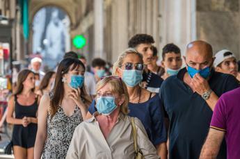 Coronavirus, altri 235 contagi e 21 morti