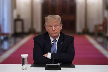 Iran, Trump: Faremo scattare meccanismo per ripristino sanzioni