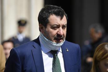 Salvini: Emergenza non c'è più, italiani sotto ricatto