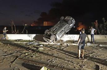 Beirut, esplose 2.750 tonnellate di nitrato di ammonio