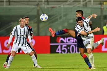 Crotone-Juve 1-1, Pirlo stecca