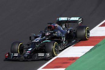 Hamilton in pole