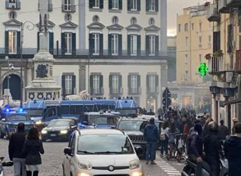 Dpcm, protesta a Napoli contro le chiusure