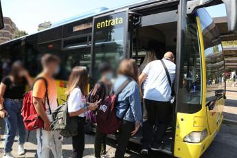 Scuola, Azzolina: Criticità soprattutto sui trasporti