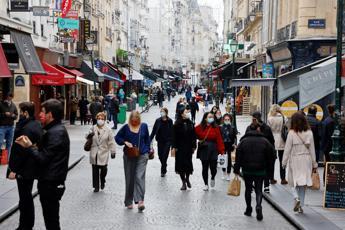 Covid Francia, oltre 52mila contagi in 24 ore