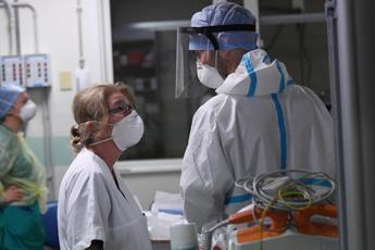 Emilia Romagna zona arancione, oggi 2.026 contagi e 80 morti
