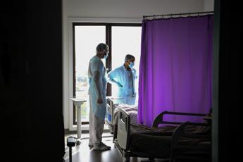 Coronavirus Francia, oltre 28mila nuovi casi e 427 morti