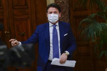 Conte: Politica mai commissariata dai manager