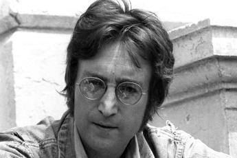 John Lennon, 40 anni fa la morte: tanti complotti e una sola folle verità