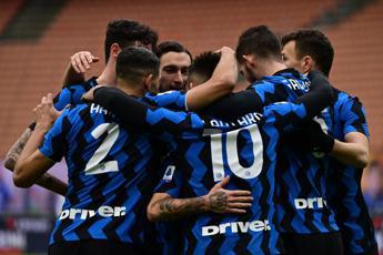 Inter-Crotone 6-2, Lautaro tris e Conte vola
