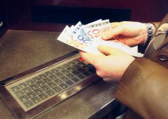 La carica dei Comuni contro le banche