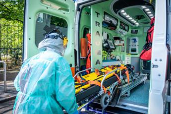 Coronavirus, 12 morti e 159 nuovi casi in Italia