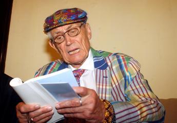 Addio a Yevtushenko, il poeta russo scompare a 84 anni