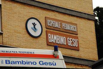 Influenza, picco di casi fra bimbi: a Roma assalto al pronto soccorso