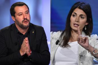 Salvini attacca dal palco, Raggi risponde