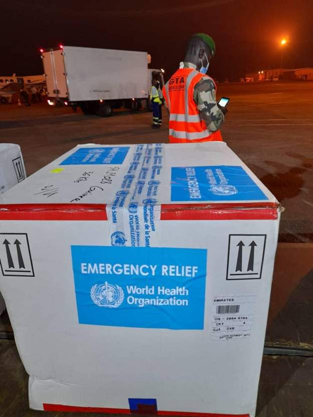 Ebola vaccines arrive in Guinea 6