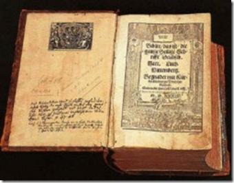 Há-300-anos-família-preserva-exemplar-da-Bíblia-de-Wittenberg-250x192