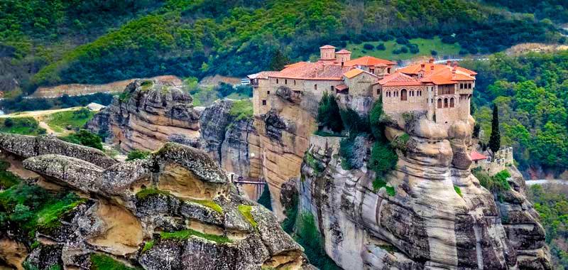 Meteora en Grecia y sus impresionantes monasterios