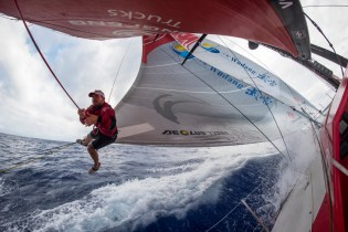 2014-15, Dongfeng Race Team, Leg6, OBR, VOR, Volvo Ocean Race, onboard, action, Kevin Escoffier, harness, clew, sail