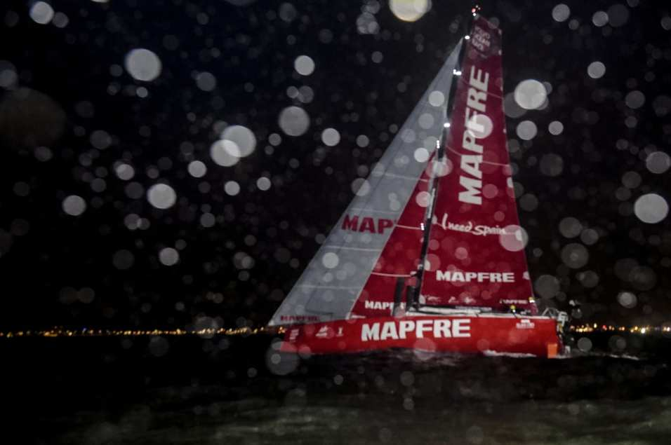 2014-15, VOR, Volvo Ocean Race, Team Alvimedica, Crowd, night, MAPFRE