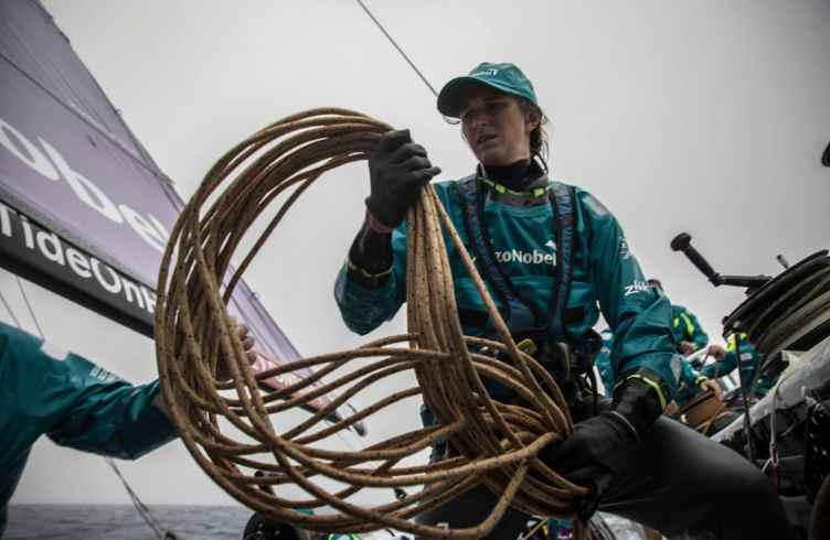 Leg 6,Commercial,portrait,Rope,To Auckland,2017-18,AkzoNobel,on board,on-board,Crew member,Gottifredi Maffioli,Spinlock,Vest,Race Suppliers,Kind of picture,weekly selection,Cécile Laguette