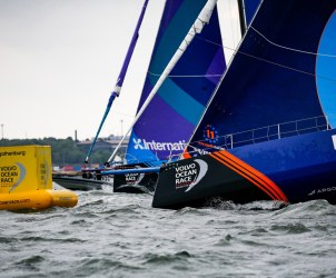 2017-18, Commercial, Gothenburg In-Port Race, Kind of picture, Race mark, Teams, Vestas 11th Hour Racing, bow, buoy, host city, port, 2017-18|Commercial|Race mark, 2017-18|Gothenburg In-Port Race, 2017-18|Kind of picture|bow, 2017-18|Teams|Vestas 11th Hour Racing