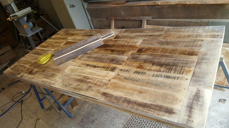 fabriquer table planche de coffrage drawing apem. Black Bedroom Furniture Sets. Home Design Ideas