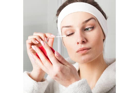 What S The Best Way To Remove Eyeliner