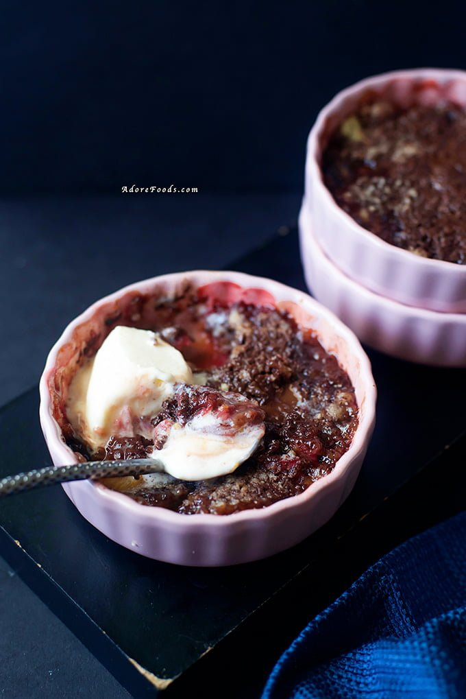 Dark chocolate rhubarb crumble recipe, perfect for brunch or dessert #rhubarbcrumble