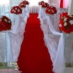 Aluguel Decoração Corredor da Entrada dos Noivos Vermelho e Branco
