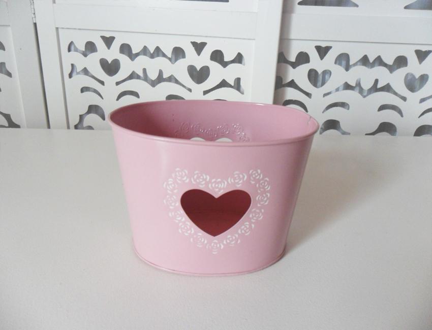 Locação de Jardineira Rosa Oval Coração Vazado