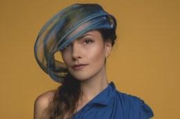 . Titel: Chic Model: @angelchocololat Make Up & Hair Artista: @ebrucplr.makeupartist Designer: @sohodesign_sonjahofstetter Assist: @thefunkyeye Assist: ElaF - Freiheit für die Stimme . .