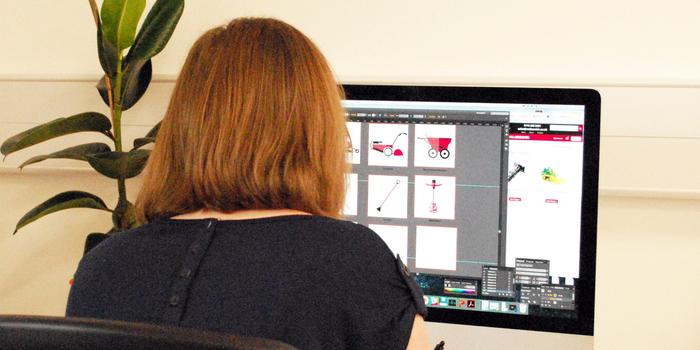 Michelle Barnett illustrating on the iMac