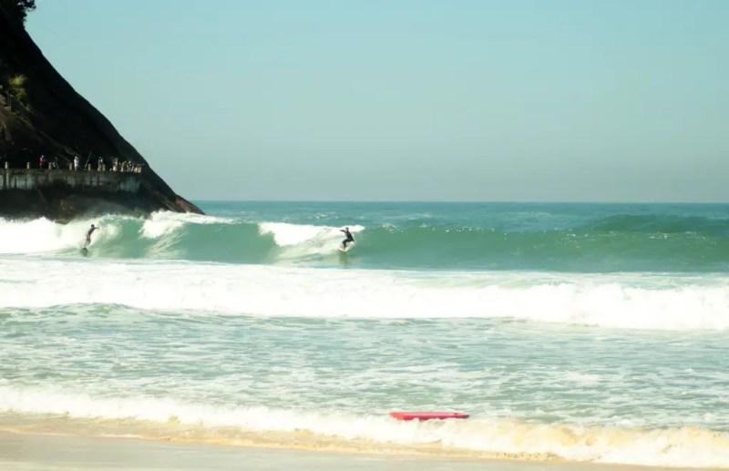 surf praia do leme