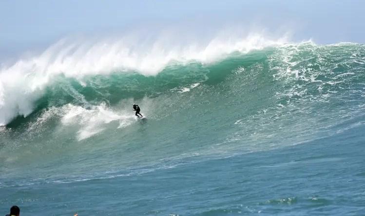a Laje do Jagua possui algumas das maiores ondas do Brasil