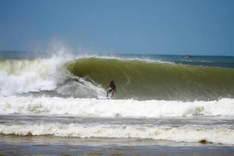 Regência, um dos melhores picos de surf do Brasil