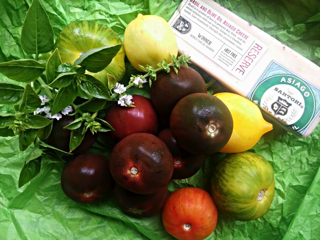 Ingredients to prepare Kumato and Heirloom Tomato Pizza #ABRecipes