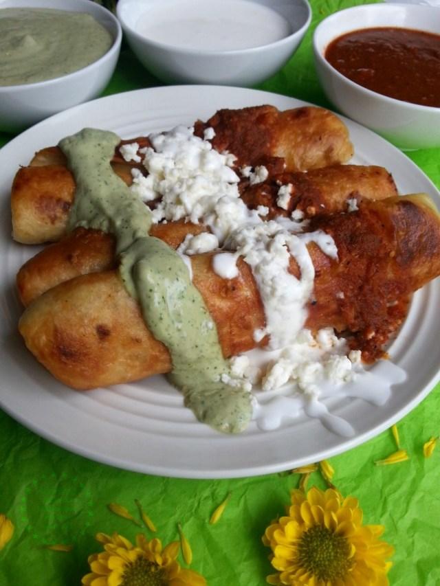 Chicken Flautas Tricolor a recipe 100 percent soccer fan approved #GoAutentico #ad