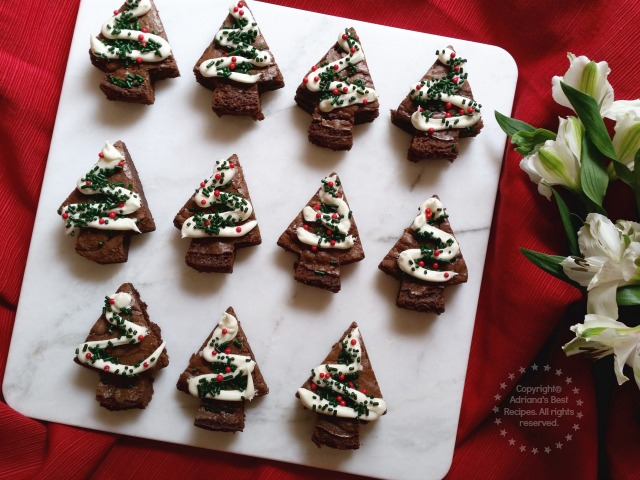 Recipe idea for baking Holiday Brownies easy and using ingredients from the Betty Crocker Bake Center #PlatefullCoOp #ad