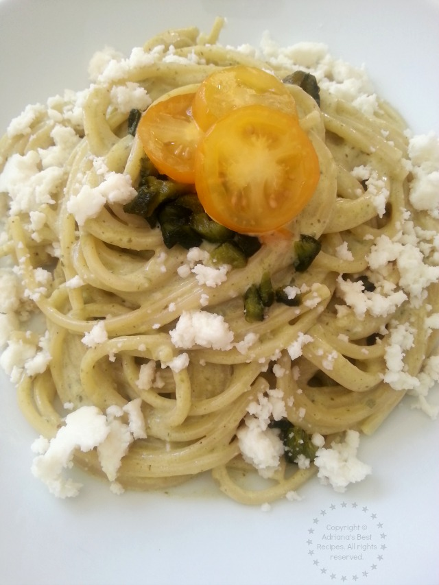Roasted Poblano Spaghetti Alfredo great for lunch or dinner #BarillaFiesta #WeaveMade #ad