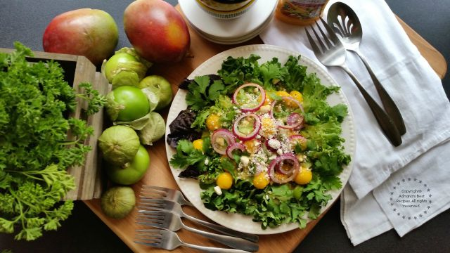 Tomatillo Salad with Mango Recipe  #ComidaKraft #ad